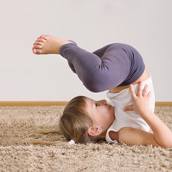600_bedtime_yoga_kids_02