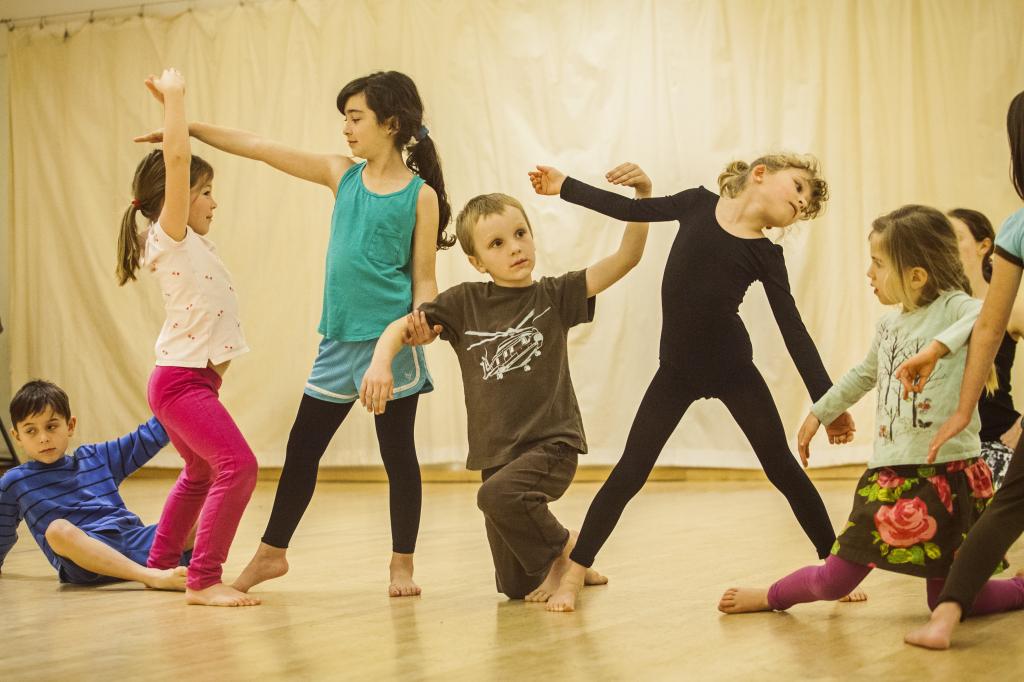 Δημιουργικός χορός για παιδιά 4-6 ετών